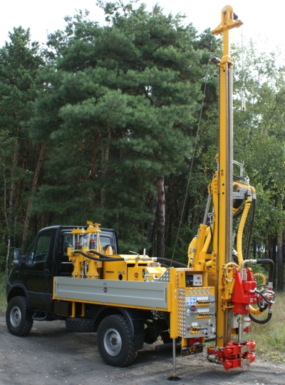 Vechicle drilling rig H25SI