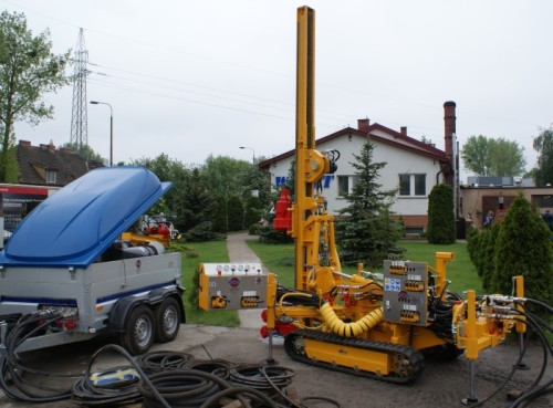 MWG-1 Small size caterpillar drilling rig